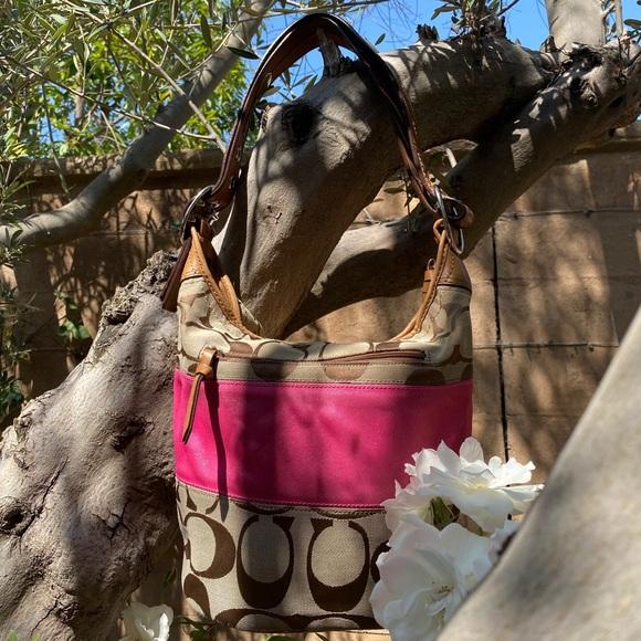Coach Handbags - Coach bag in brown and tan